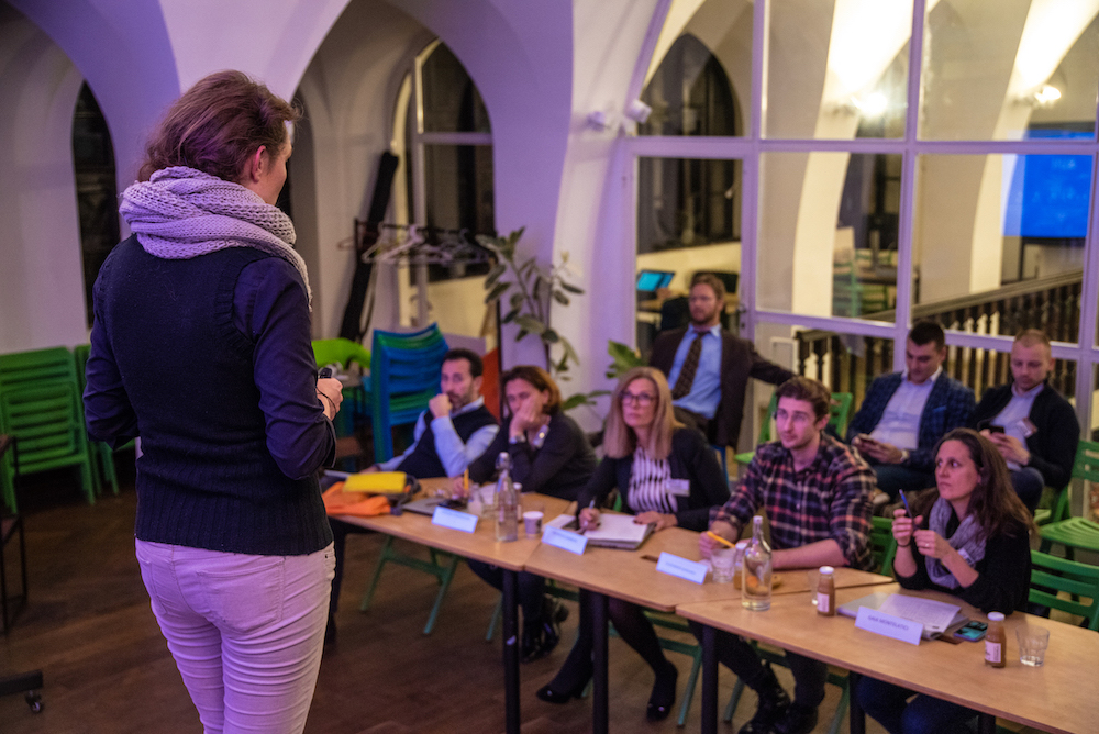 Eleonora Sergijevic, Enqlo startup co-founder, pitching in front of an investors jury - Marco Nannini and Lorenza Morandini of Impact Hub Milan, Patricia Gannon - Co Chair European Regional Forum at International Bar Association, Gaia Monte